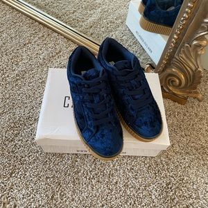 Cape robin velvet sneakers